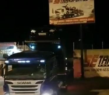 Vídeos de Transporte de Veículos